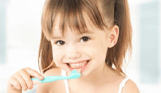 Brushing teeth to prevent tooth decay