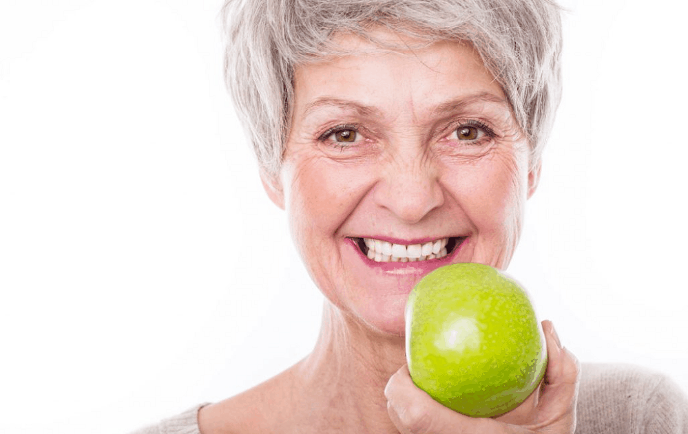 how to eat with dentures