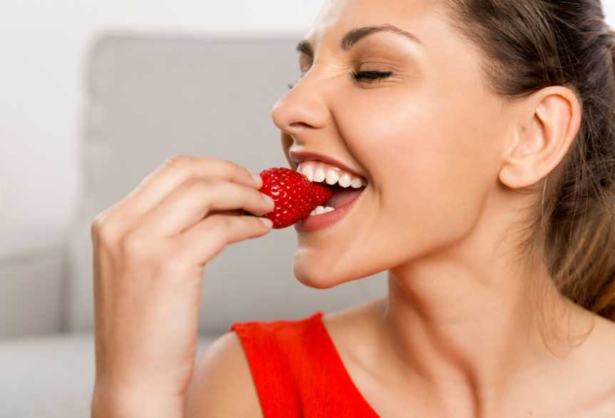 foods that whiten your teeth