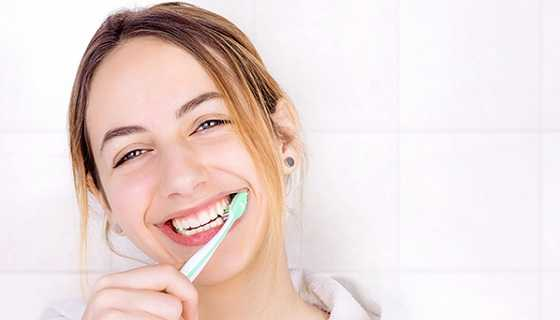 Brushing for healthy gums