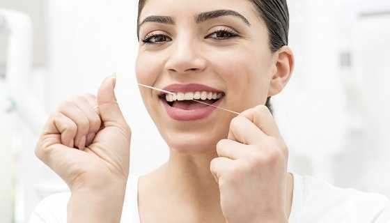 Flossing for healthy gums