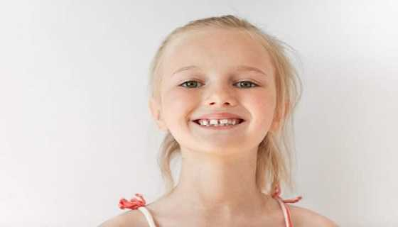 middle teeth gap