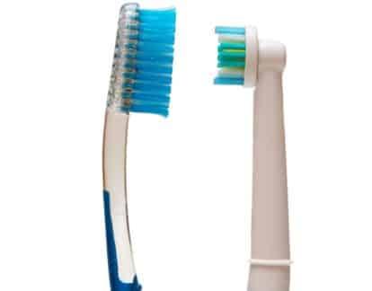 Manual or electric brush